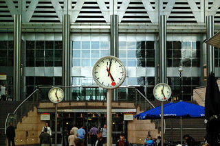 clocks-1054799_320